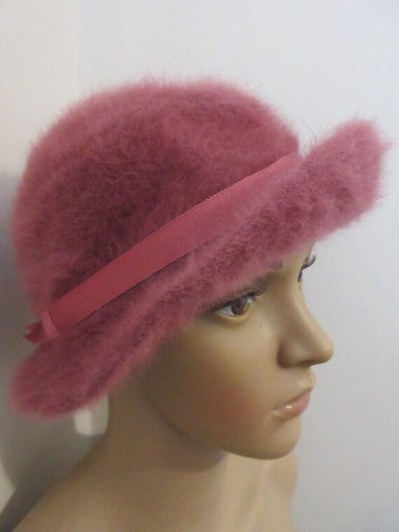 Vintage 1940's 'Marida' Raspberry Angora Wool Hat