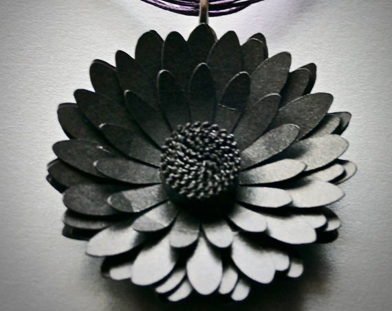 Gerbera Daisy Statement Necklace in Onyx Card and Paper