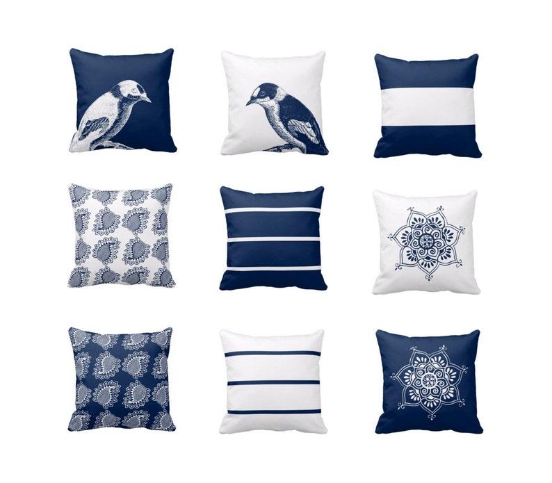 Cuscini Blu.Cuscini Blu Marino Bianco Throw Pillow Covers Navy Blu Bianco Etsy