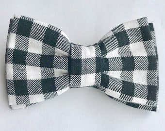 Black and White Plaid Bow Tie Size Small (Ages 1 - 4)