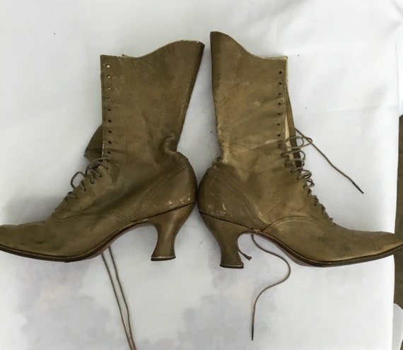 Victorian style boots from the 20s 30s