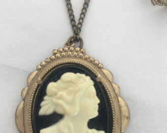 1940's- 1950's cameo necklace & earrings set