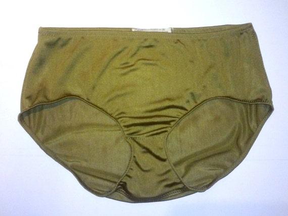 Grannies In Silk Panties