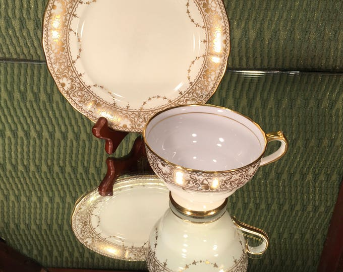 FREE SHIPPING! Gold Spode Copeland China Tea Cup and Saucer, English, Floral