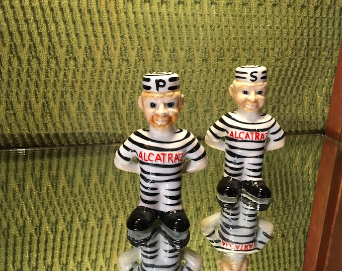 FREE SHIPPING! Vintage Novelty Alcatraz Salt and Pepper Shakers