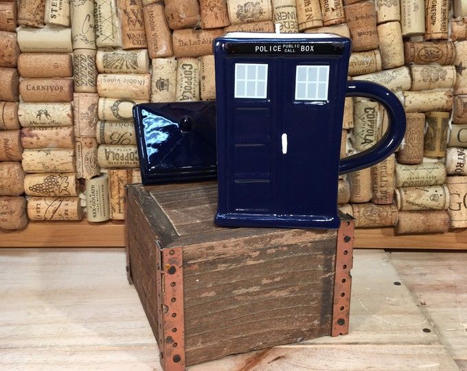 FREE SHIPPING! Dr Who Tardis Mug with Lid, Soy Hazelnut Coffee scented candle
