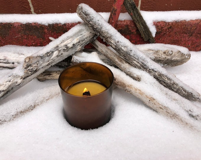 FREE SHIPPING! Amber Jar With A Wood Wick in Smoky Embers Scent