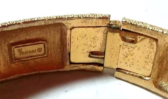 Vintage 60s Crown Trifari signed Textured Gold Tone Belt Buckle Clamper Cuff Bracelet and Clip Earrings Set FREE Shipping