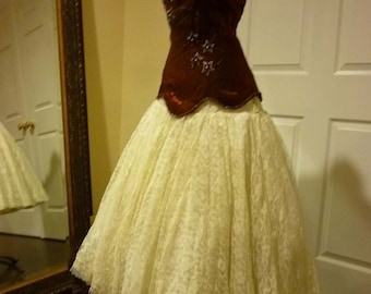 Romantic Vintage 1950's Full Circle Skirt of Chantilly Lace ala Grace Kelly