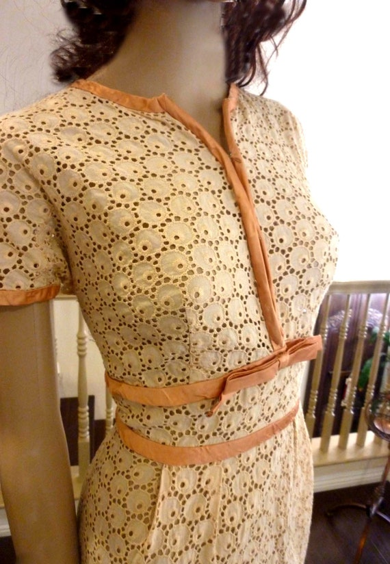 Pretty Vintage 50's Spring -Summer Eyelet Dress- S