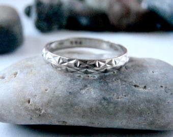 Textured Silver Ring - Vintage Jewellery - Thin Ring - Silver Band Ring