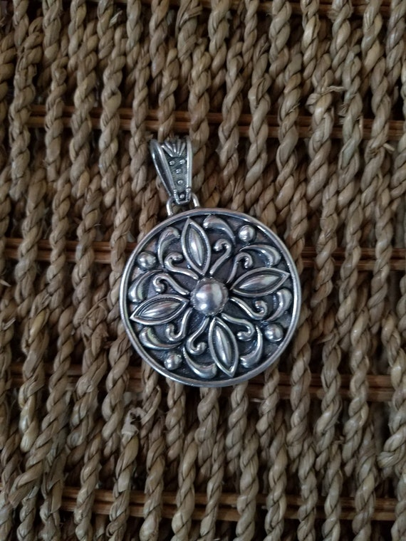 Mexico Sterling Silver Round Flower Medallion Char