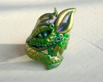 Golden Green Dragon ring