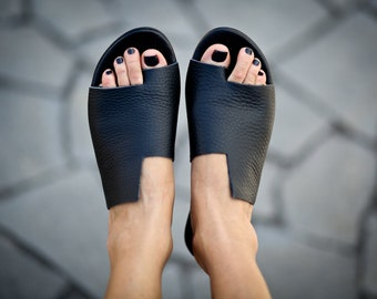 SALE, Black Leather Sandals, Handmade Sandals, Flat Sandals, Black Summer Shoes, Slide Sandals, Toe Ring Sandals, Slip On Sandals, Simone
