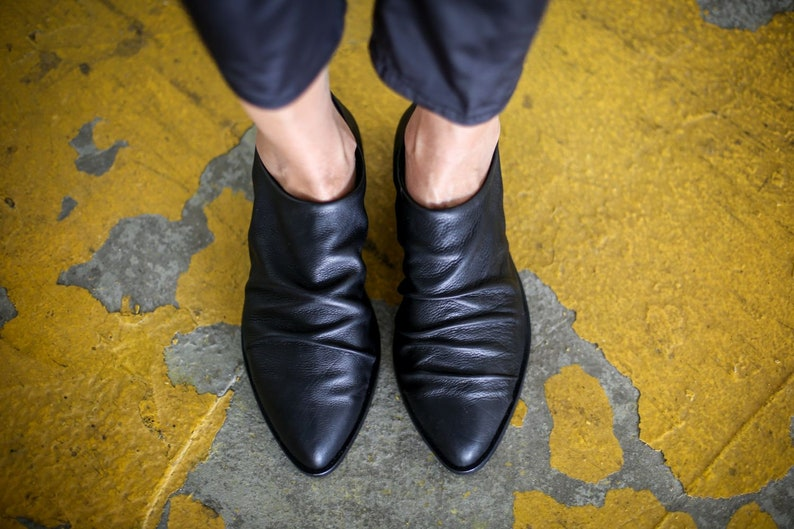 Vittoria Leather Winter Flats Black Oxford Shoes NEW