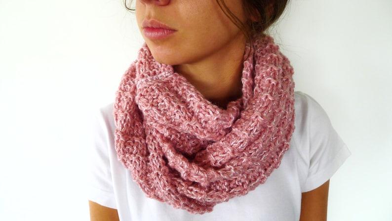 4a8e74590bffb Bufanda para mujer rosa Cuellos de lana tejidos a mano