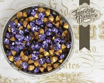 Vintage 19SS Tanzanite Purple Swarovski Rhinestones Chatons - Article 1012 Austrian 1st Quality MC Crystal - 24pc