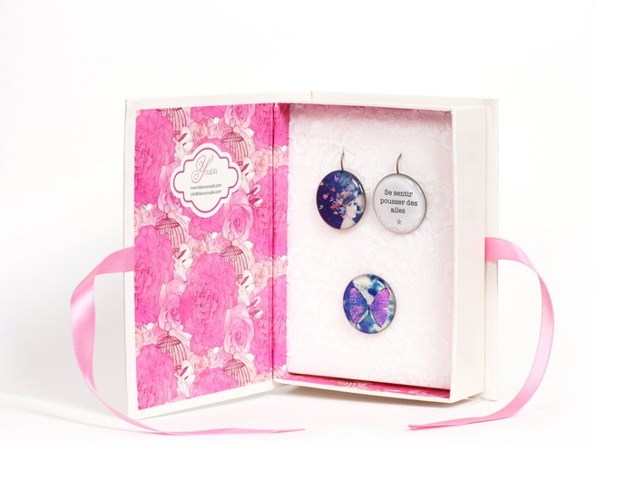 Cabinet BUTTERFLIES purple earrings + ring CD2 + T04 + CD43 (2, 5cm diameter) - resin - collection La Plume to the ear