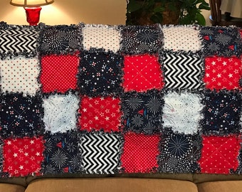 Red, White and Blue Patriotic Rag Quilt