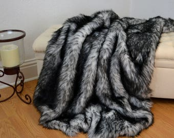 Black and White Faux Fur Blanket Throw, Faux Fur Blanket,  Faux Wolf Fur Throw, Fur Bedding, Lap Blanket
