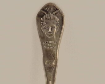 Vintage 1933 World's Fair Silver Plated Souvenir Spoon/Antique Chicago 1933 World's Fair Silver Plated Spoon/World's Fair Memorabilia Spoon