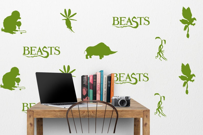 047a75d406a Fantastic Beasts Wall Decal Niffler Thunderbird