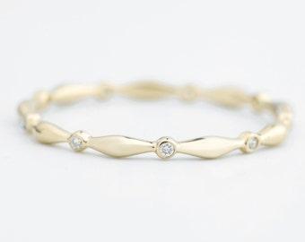 Thin wedding band diamond eternity ring in 14k yellow gold rose gold white gold Platinum pt950, Simple Dainty Skinny Elegant band
