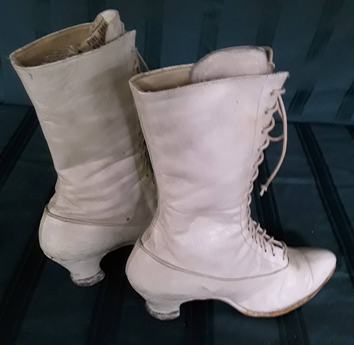 Early 1900's Victorian White Leather High Top Boots. - Big Sale qEVNA