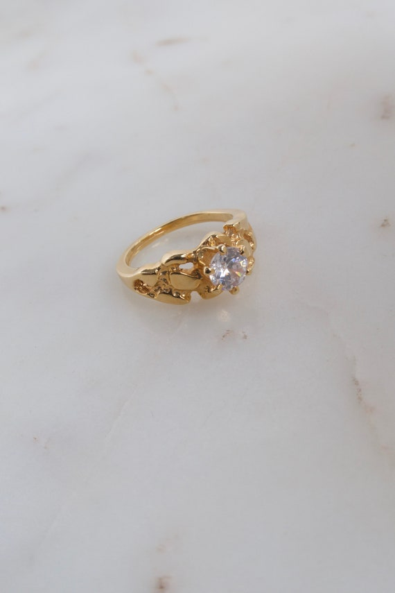 Vintage Solitaire Gold Ring - 7.25 ring - image 5
