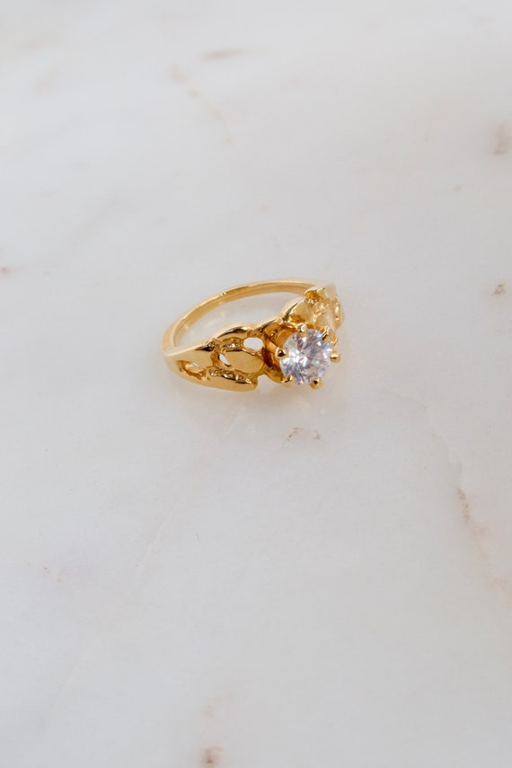 Vintage Solitaire Gold Ring - 7.25 ring - image 1