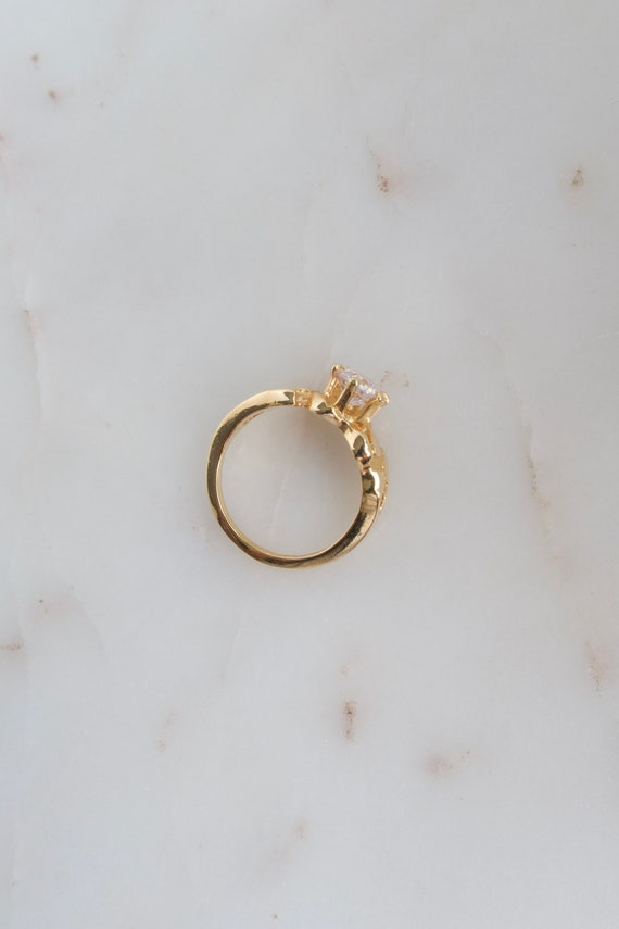 Vintage Solitaire Gold Ring - 7.25 ring - image 7