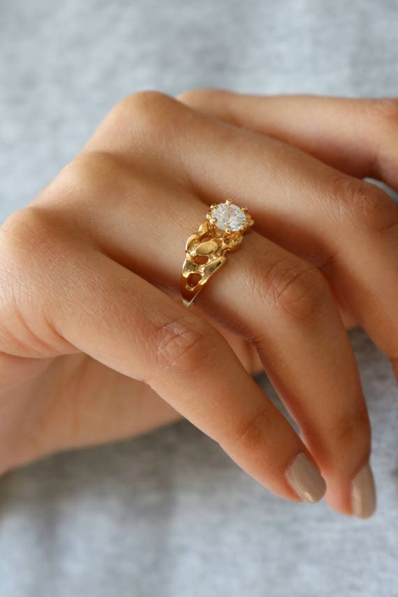Vintage Solitaire Gold Ring - 7.25 ring - image 2