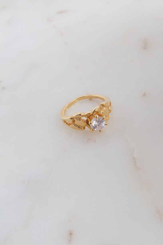 Vintage Solitaire Gold Ring - 7.25 ring - image 4