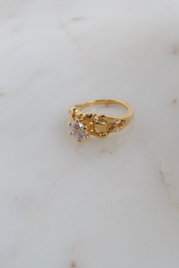 Vintage Solitaire Gold Ring - 7.25 ring - image 6