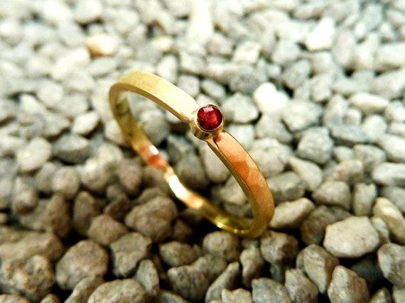Verlobungsring Goldring mit pink Saphir Antragsring Beisteckring Vorsteckring handgefertigt by SILVERLOUNGE