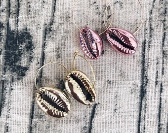 Gold-plated brass earrings with hanging enameled shells