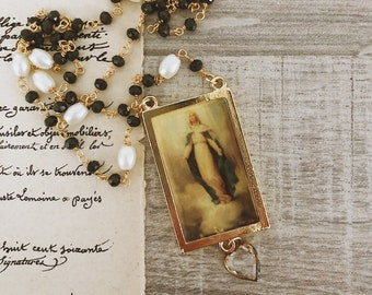 Necklaces with rosary chain in brass, pearls and vintage pendant with madonna and heart in final glass