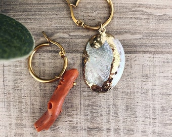 Gold-plated steel hoop earrings with natural shell and coral branch