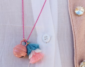 Necklaces with colored aluminum chain, enamelled bell and cotton tassel