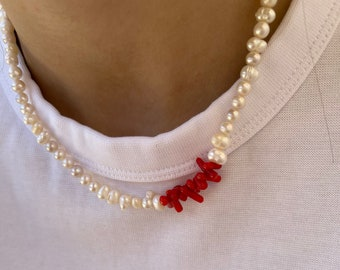 Necklace with freshwater pearls and coral paste chips