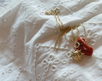 Necklace entirely in 925 silver with coral pendant and golden sun