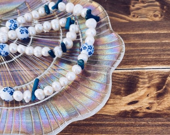 Necklace with freshwater pearls, hand painted ceramic beads