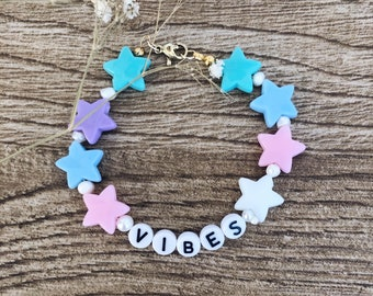 Bracelet Vibes with pastel stars and river beads