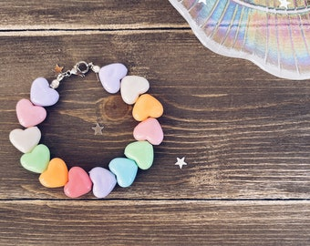 Bracelets with hearts in colored resin