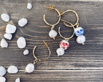 Circles earrings in brass with freshwater pearl and hand painted ceramic stone