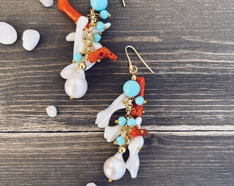 Stud earrings in gilded 925 silver with coral, pearls and turquoise stones