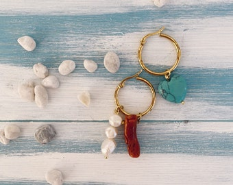 Hoop earrings in golden steel with freshwater pearls, coral branch and turquoise heart