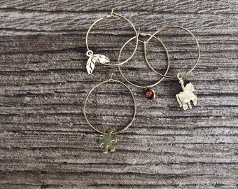 Christmas edition - Gold-plated brass hoop earrings with small Christmas charms