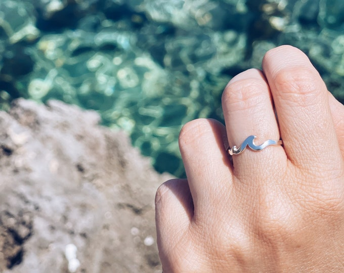 Featured listing image: Ring entirely in 925 silver adjustable with wave