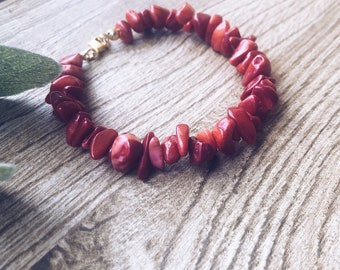 Coral stone bracelet with chips